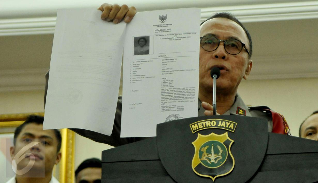 Kapolda Metro Jaya, Inspektur Jenderal M Iriawan memberikan keterangan pers terkait penangkapan Miryam S. Haryani di Jakarta, Senin (1/5). Miryam ditangkap dini hari di hotel Grand Kemang (Liputan6.com/Helmi Afandi)