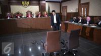 Abdul Khoir menjalani sidang perdana di Pengadilan Tipikor, Jakarta, Senin (4/4). Khoir didakwa memberikan suap kepada 4 anggota Komisi V  dan 1 pejabat Kementerian PUPR dengan total sekitar Rp38,51 miliar. (Liputan6.com/Faizal Fanani)