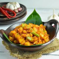 Ilustrasi sambal goreng kentang./Copyright shutterstock.com/g/Gunawan%2BArifin