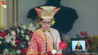 Ketua DPR Puan Maharani membaca Teks Proklamasi dalam Upacara HUT ke-76 RI di halaman Istana Merdeka, (17/8/2021).