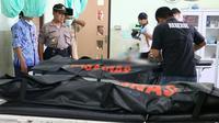 Dua dari empat korban tenggelam Pantai Pandan Kuning, Petanahan, Kebumen berhasil ditemukan. (Foto: Liputan6.com/Polres Kebumen/Muhamad Ridlo)