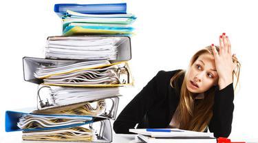 Pekerjaan dapat membuat Anda menjadi tampak tua dan semakin tua. Secara perlahan garis halus muncul, kulitpun semakin mengerut. Hal ini dapat terjadi karena stres pada pekerjaan.
