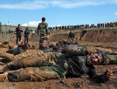 Ganasnya Latihan Militer Perempuan Kurdi