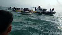 Banana Boat Diamankan Polair Polres Pandeglang Di Pantai Carita. (Minggu, 16/05/2021). (Potongan Layar Video).