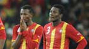 "Pupus sudah ambisi Ghana menggoreskan sejarah di Piala Dunia. Uruguay mengempaskan ""Bintang Hitam"" melalui drama adu penalti dengan skor 4-2, setelah selama 120 menit bermain sama kuat 1-1."