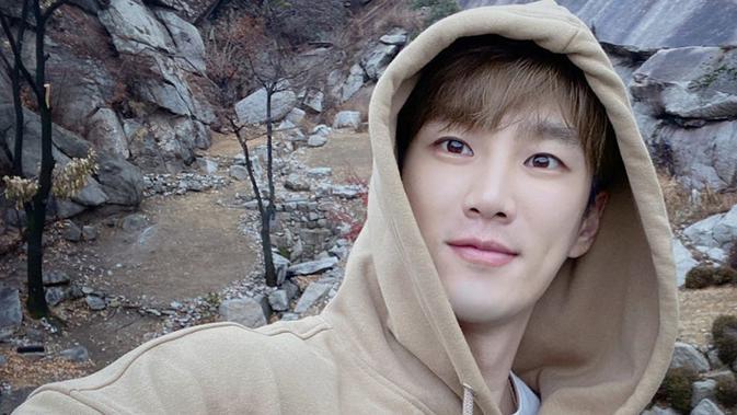 Ahn Bo Hyun, Bintang Descendants of the Sun yang Jadi Tukang Bangunan demi Bertahan Hidup