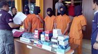 Remaja Garut mulai mencuri dengan senjata tajam. (Liputan6.com/Jayadi Supriadin)