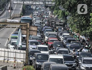 Kemacetan Mengular Imbas Underpass Senen Ditutup
