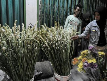 20160705-Malam Takbiran, Pedagang Bunga Sedap Malam Ramai Pembeli