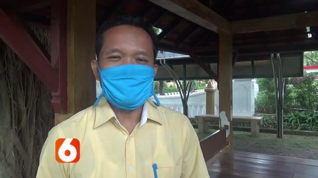 Rinciannya, dari 99 pedagang di Pasar Banjarejo yang menjalani rapid test, 25 orang menunjukkan hasil reaktif. Ke-25 pedagang itu terdiri atas 19 warga Bojonegoro dan 6 warga Tuban. Sementara di Pasar Dander, dari 201 pedagang yang menjalani rapid te...