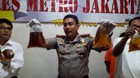Polisi tetapkan 4 tersangka kasus miras oplosan di Jakarta Timur.