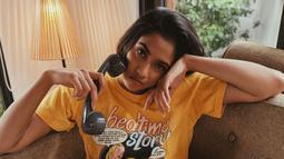 Biasa menjadi seorang atlet, Aghniny juga dikenal dengan gaya tomboinya. Kini, wanita kelahiran 8 Maret 1997 ini selalu tampil  tomboi dengan rambut pendeknya. (Liputan6.com/IG/aghninyhaque)