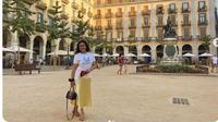 Bella Saphira liburan di Spanyol. (dok.Instagram @bellasaphiraofficial/https://www.instagram.com/p/B25myQ1HKuX/Henry)