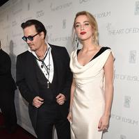 Johnny Deep diduga telah melakukan kekerasan dalam rumah tangga (KDRT) pada istrinya, Amber Heard. (AFP/Bintang.com)