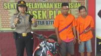 Pistol mainan yang digunakan kedua pelaku penjambretan di Palembang (Liputan6.com / Nefri Inge)