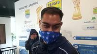 Pemain asing Persib Bandung, Omid Nazari. (Bola.com/Erwin Snaz)