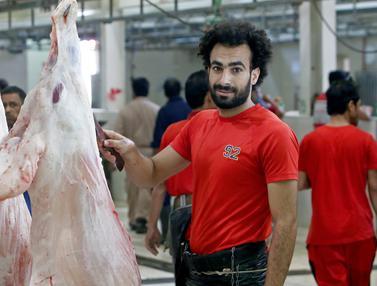 Berwajah Mirip Mohamed Salah, Pedagang Daging Ini Mendadak Terkenal