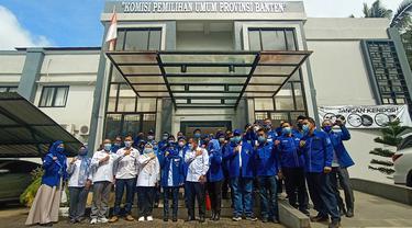 DPD Demokrat Banten Di KPU. (Senin, 15/03/2021). (Liputan6.com/Yandhi Deslatama).