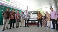 PT Toyota Motor Manufacturing Indonesia mendonasikan Toyota Hiace kepada Burung Indonesia untuk mendukung survei keanekaragaman hayati dan kegiatan pendidikan konservasi di Bentang Alam Popayato-Paguat. (TMMIN)