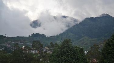 Dataran Tinggi Dieng merupakan Kaldera Raksasa Purba. (Foto: Liputan6.com/Muhamad Ridlo)