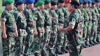 Untuk pengamanan pengumuman KPU, sekitar 35.000 personel TNI akan diterjunkan untuk membantu aparat kepolisian, Jakarta, Selasa (22/7/14). (Liputan6.com/Faizal Fanani)
