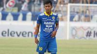 Bek muda Persib Bandung, Indra Mustafa. (Bola.com/Erwin Snaz)