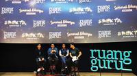 Adamas Belva Syah Devara, CEO dan co-founder Ruangguru (kiri); Muhammad Iman Usman, CPO dan co-founder Ruangguru (kedua dari kiri); Putri Ariyani, salah satu brand ambassador baru Ruangguru (kedua dari kanan). (Liputan6.com/ Mochamad Wahyu Hidayat)