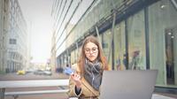 Hindari skimming dengan menyimpan kartu kredit di dompet berteknologi RFID | pexels.com/@olly