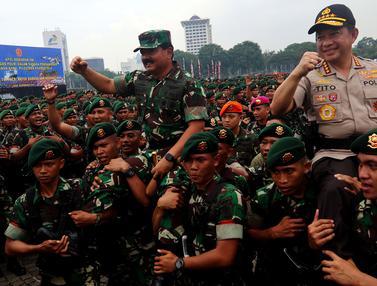 Panglima TNI Dan Kapolri Pimpin Apel Pengamanan Natal Dan Pemilu 2019