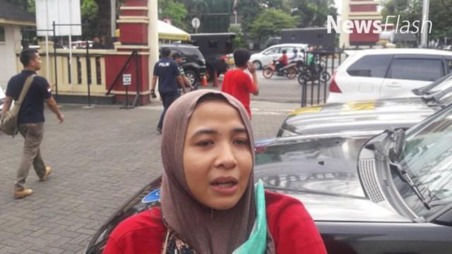Sri Handayani, perempuan 25 tahun itu mengaku diminta uang tebusan Rp 40 juta, untuk menebus anaknya yang bernama Dean Anugrah Ramadhan. Dia pun melaporkan kasus ini ke unit Perlindungan Perempuan dan Anak (PPA) Polres Jakarta Pusat, Kamis lalu, 5 Ja...