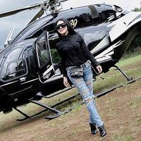 Syahrini dan helikopter (Instagram/princessyahrini)