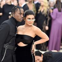 Kylie Jenner tak akan nikahi Travis Scott jika tak penuhi syarat ini. (Theo Wargo / AFP)