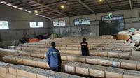 Bea Cukai menyita sebanyak 7,2 batang rokok ilegal yang coba diselundupkan: (Foto: Liputan6.com/Bea Cukai-Ajang Nurdin)