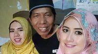 Kiwil bersama dua istrinya, Rohimah dan Meggy Wulandari. (Instagram)