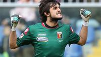 Kiper Genoa, Mattia Perin menjadi calon kuat pengganti Gianluigi Donnarumma di AC Milan. (MARCO BERTORELLO / AFP)