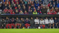 Pemain Bayern Munchen duduk di bangku cadangan pada laga Liga Champions melawan Anderlecht, 12 September 2017. (AFP/Guenter Schiffmann)