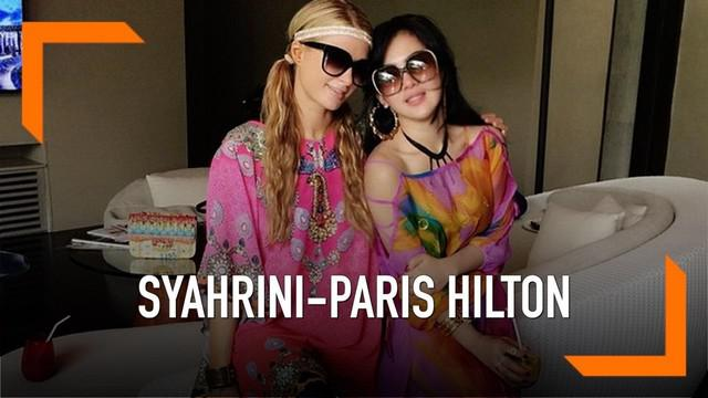 Syahrini mengunggah foto pertamanya bersama Reino Barack. Paris Hilton yang memang akrab dengan Syahrini memberikan ucapan selamat kepada Syahrini.