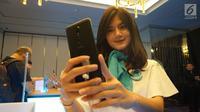 Ber-selfie dengan Wiko View Prime (Liputan6.com/ Agustin Setyo W).