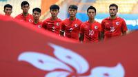 Tim sepak bola Hong Kong menyanyikan lagu kebangsaan sebelum melawan Uzbekistan saat babak 16 besar pada Asian Games 2018 di Stadion Wibawa Mukti, Cikarang, Jawa Barat, Kamis (23/8). ANTARA FOTO/INASGOC/Djuli Pamungkas/Sup/18