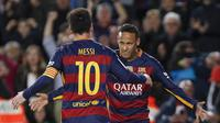Lionel Messi dan Neymar pada laga La Liga Spanyol di Stadion Cam Nou, Barcelona, Kamis (31/12/2015) dini hari WIB.  (EPA/Quique Garcia)