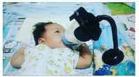 5 Kelakuan Kocak Urus Bayi Ini Bikin Geleng Kepala (sumber: Instagram.com/ngakakkocak)