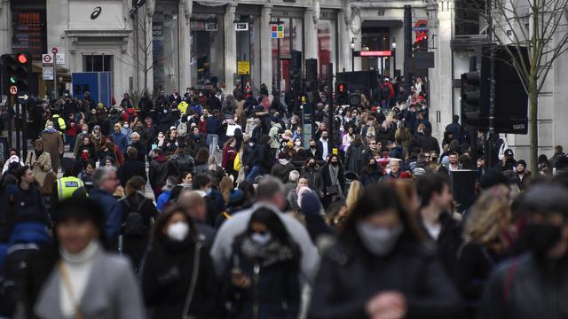 Warga London Kembali Ramaikan Jalanan