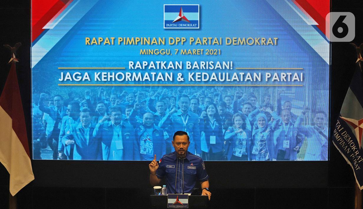Ketum Partai Demokrat Agus Harimurti Yudhoyono atau AHY menggelar rapat pimpinan secara maraton di Deli Serdang di Gedung DPP Demokrat, Menteng, Jakarta Pusat, Minggu (7/3/2021). Rapat tersebut untuk menyikapi KLB Partai Demokrat Deli Serdang. (Liputan6.com/Herman Zakharia)
