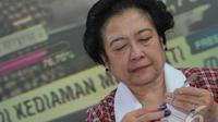Megawati saat menangis (Liputan6.com/Herman Zakharia)