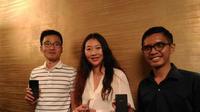 CEO Infinix Mobility Benjamin Jiang (kiri), Country Manager Infinix Indonesia Marcia Sun, dan Chief Marketing Officer Infinix Indonesia Anis Thoha Mansyur saat ditemui di Jakarta, Selasa (24/5/2016). (Liputan6.com/Agustin Setyo Wardhani)
