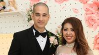 Sebelum menikah dengan Lee, Okan memang pernah mengalami kegagalan dalam berumah tangga. Selama lima tahun, Okan menikah dengan Viviane Tjeuw, dan mengakhirinya pada tahun 2015 silam. (Nurwahyunan/Bintang.com)