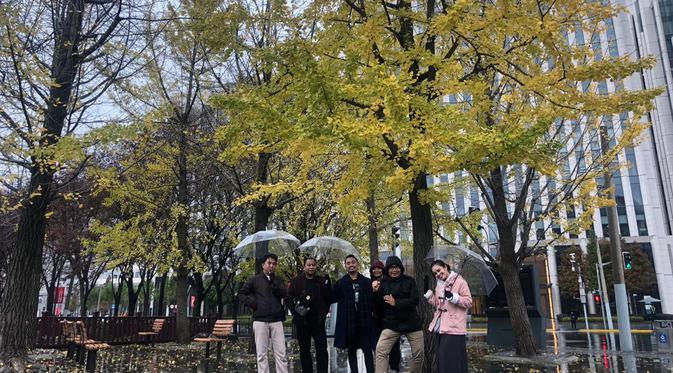 Meski sudah memasuki awal musim dingin, jalanan Kota Shanghai, China masih asyik untuk dijelajahi. (Liputan6.com/Rinaldo)