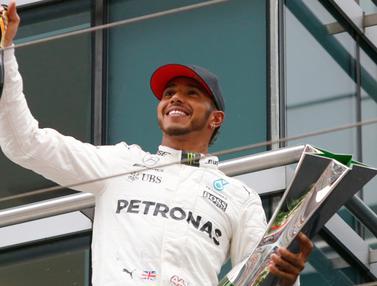 20170409-Lewis Hamilton Juara GP China-AFP