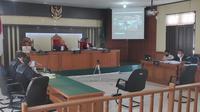 Sidang perkara korupsi di Pengadilan Tindak Pidana Korupsi pada Pengadilan Negeri Pekanbaru. (Liputan6.com/M Syukur)