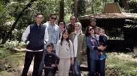 Berikut potret gaya luburan keluarga besar SBY di Tawangmangu Karanganyar.